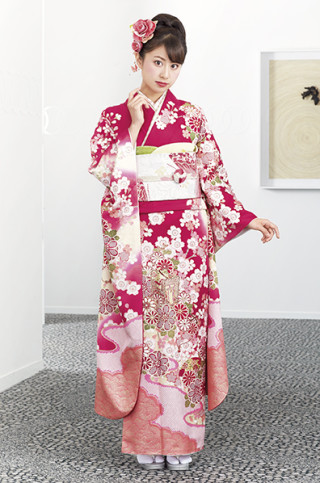 ピンクレッド地に桜御所車柄振袖の衣装画像2