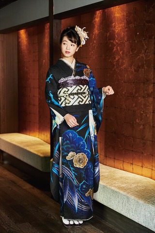 横田真悠モデル振袖の衣装画像1