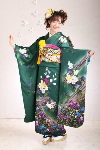 花柄緑振袖の衣装画像1
