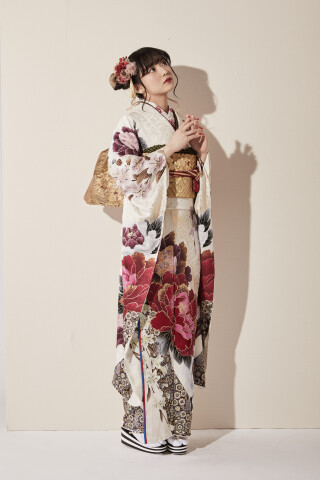 桂由美 振袖の衣装画像2