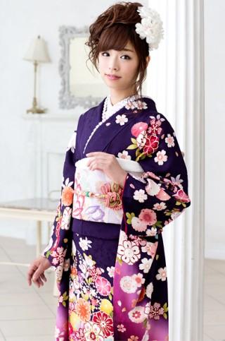 濃紫がシック&クールな花柄振袖 【MKK-28001】