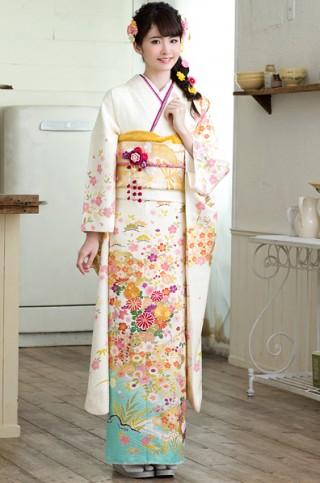 白地に金箔雲どりに花篭柄振袖【MK-609】の衣装画像1