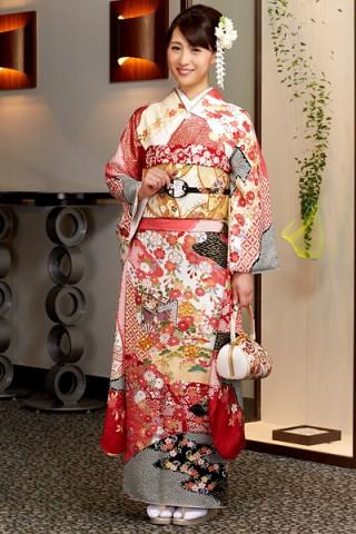 濃ピンク×赤地の花と御所車文様振袖【MK-701】の衣装画像2