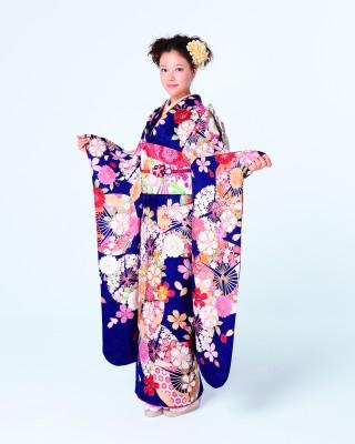 草刈麻有デザイン2015年新作振袖