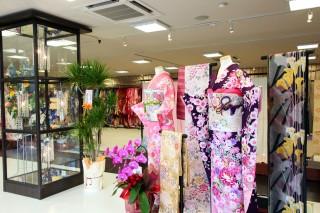 染織館 吉野川店 振袖館小町の店舗画像2