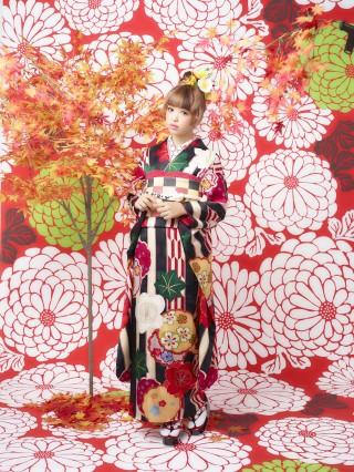 藤田ニコルモデル新作振袖の衣装画像1