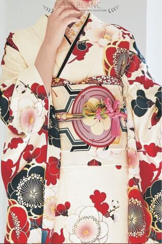 振袖ブランド PETIT BLANC(レトロ白)の衣装画像2