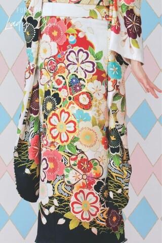 振袖コレクション FURISODE LADY GO!の衣装画像3