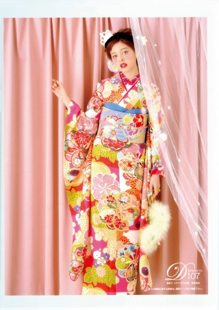 "「Ray」専属モデルの加藤ナナ "" doll ""の衣装画像1"