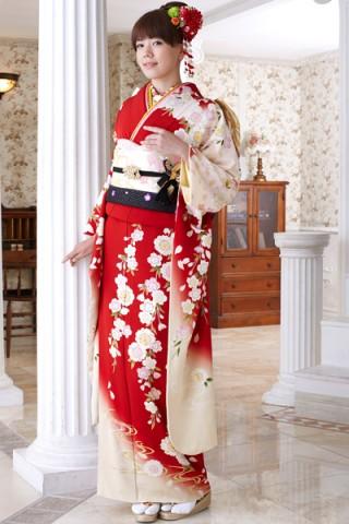 まるやま・京彩グループオリジナル振袖 舞妓さん♪レトロクラシックな枝垂れ桜柄振袖の衣装画像1