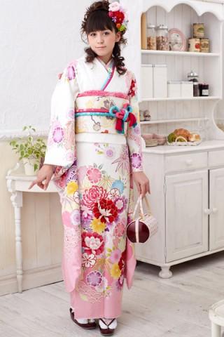まるやま・京彩グループオリジナル振袖 ピュアな白地にはんなり牡丹と雪輪柄振袖の衣装画像1