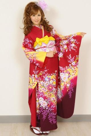 まるやま・京彩グループオリジナル振袖 赤地にイエローぼかしのキュートな小花柄振袖の衣装画像1