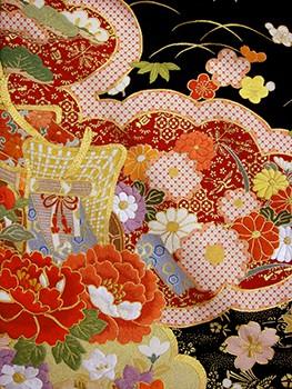 手刺繍振袖 プレミアム fu627 黒 雲どりの衣装画像2