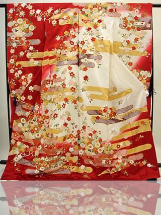 手刺繍振袖 fu607 白 赤  雲 桜の衣装画像1