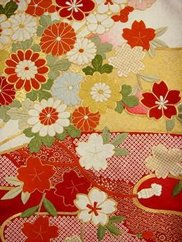 手刺繍振袖 fu607 白 赤  雲 桜の衣装画像2