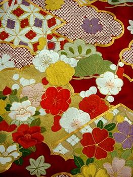 手刺繍振袖 プレミアムfu613 赤 雲どりの衣装画像2
