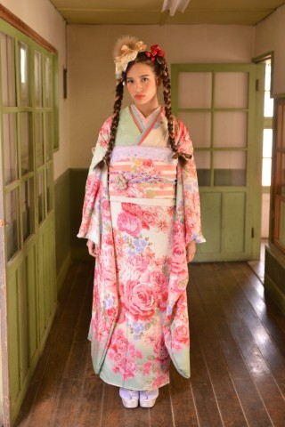 No.735 LIS LISA 百緑アンナの衣装画像1
