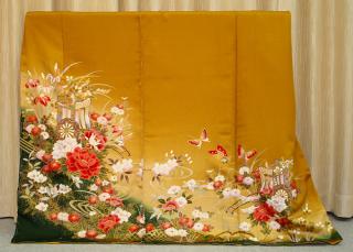古典柄(四季の花に御所車)振袖