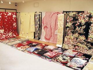 AUTHENTIC 美しいきもの 小林呉服店の店舗画像2