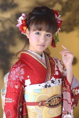 幸せ振袖 赤の古典の衣装画像2