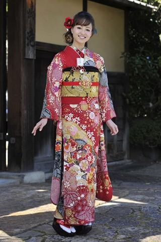 【新作】色に恋する 茜色 モデル山田桃子ちゃん着用