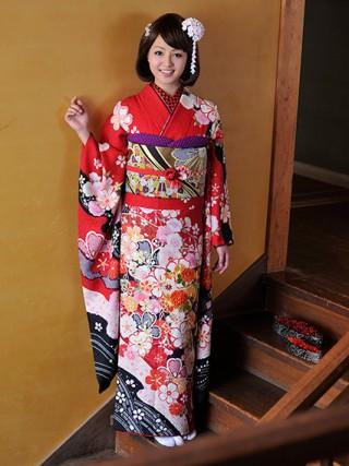 【新作】文様に恋する 桜 モデル山田桃子ちゃん着用の衣装画像1