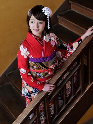 【新作】文様に恋する 桜 モデル山田桃子ちゃん着用の衣装画像2