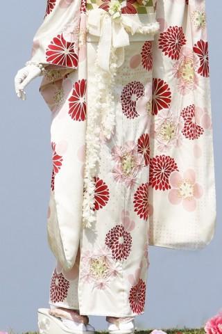 mimoreナチュラルスイート白の衣装画像2