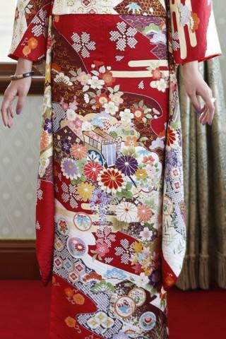 限定ブランド「ミモア」赤ネオクラシックの衣装画像2