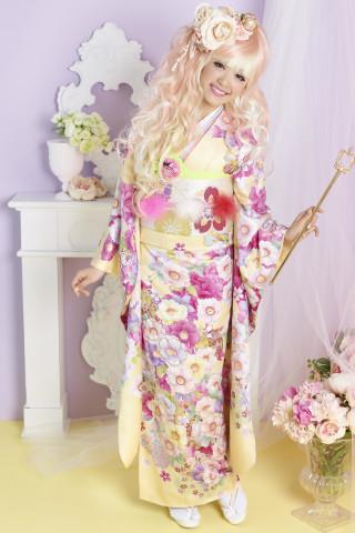 黄色振袖。洋風桜ピンク。洋風桜紫の衣装画像1