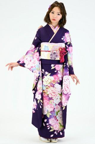 濃紫地に大輪牡丹と桜の毬柄振袖【MK-106】の衣装画像1
