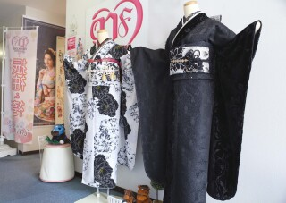 IWAKIYA横須賀店+an Rougeの店舗画像1