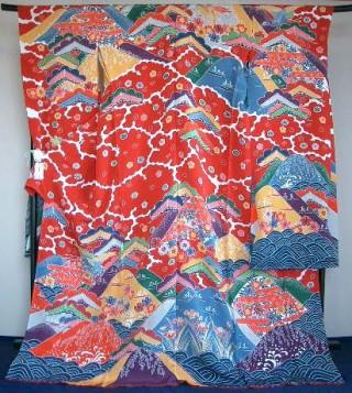 鮮やかな色彩 琉球織物 紅型振袖