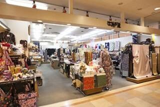 きものの老舗 神戸屋サンロード店の店舗画像2