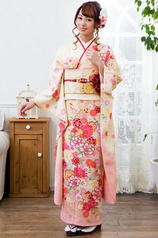 クリームイエロー×ピンクグラデーションの花柄振袖 【MKK-28006】
