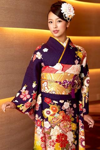 紺紫×イエローグリーン地に毬花柄振袖【MK-708】の衣装画像2