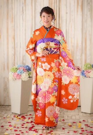 【OSHIMAUCO】鮮やかな朱色の振袖
