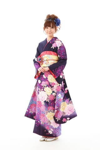 黒地秋花(レンタル料金136,000円)