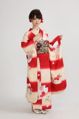 紅白市松(レンタル振袖一式 128,000円)