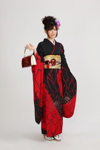 赤黒ラメ花柄(レンタル振袖一式126,000円)