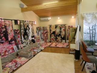 写真館&貸衣裳 スタジオ醍醐 大津店の店舗画像3