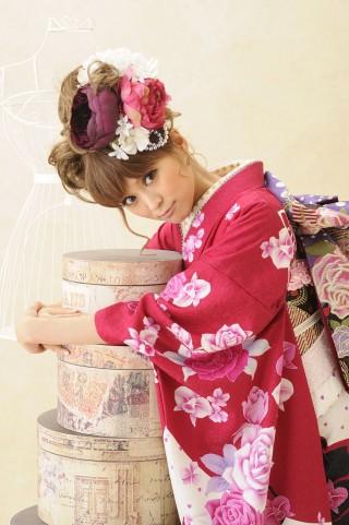 ピンク地に花文様の衣装画像2