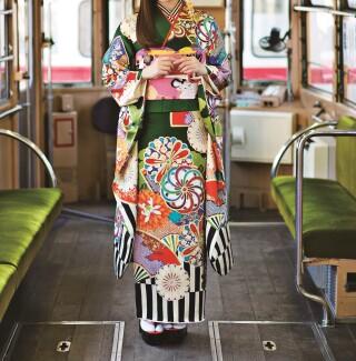 白石麻衣♡ものすごーーくおしゃれな緑×桃の配色振袖