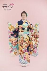 桜舞いに鞘型