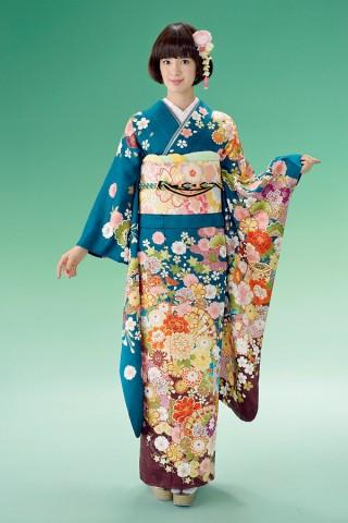 落ち着いた青地に四季花を散らした正統派振袖【Shine 108】の衣装画像1