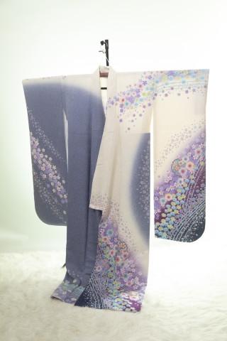 紫と白の振袖