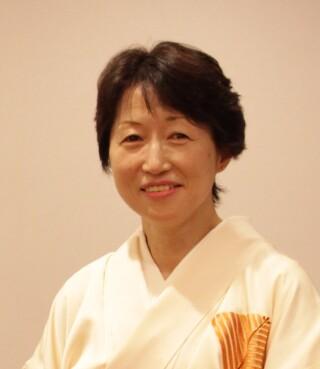 青木智子のスタッフ画像