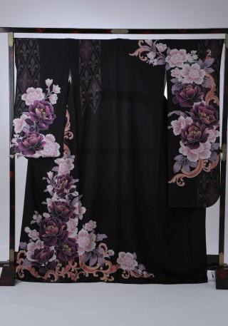 華やかな洋花が印象的の衣装画像1
