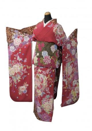お仕立て上がり 正絹振袖 cutie beauty(キューティ ビューティ) の振袖(帯別売)の衣装画像1