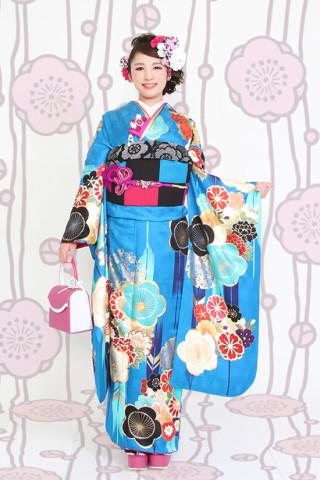 【成人式/参列/振袖】レトロ柄がかわいいモダン☆ブルー花矢羽根